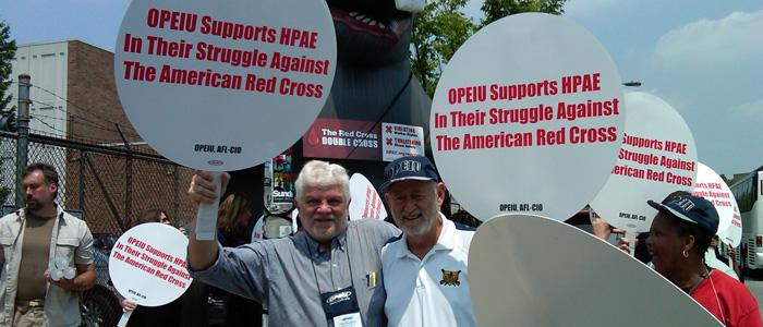 MAGE President, Alan Quattrin and OPEIU President Michael Goodwin picketing the Red Cross in Philadelphia.